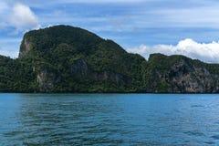 Morakot洞,安达曼海,在泰国美丽的目的地在亚洲,暑假的Trang顶面旅游胜地风景, 图库摄影