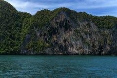 Morakot洞,安达曼海,在泰国美丽的目的地在亚洲,暑假的Trang顶面旅游胜地风景, 库存照片