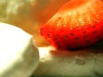Morango com gelado Fotografia de Stock