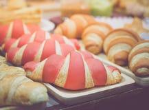 Morango deliciosa croissant flavored imagens de stock royalty free