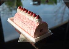 Morango do bolo do gelado imagem de stock royalty free