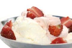 Morango e gelado Imagens de Stock