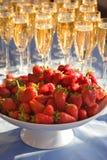 Morango e vinho Imagem de Stock