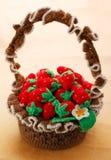 Morango feita malha na cesta Imagem de Stock Royalty Free