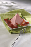 Morango Jello da pirâmide Imagens de Stock Royalty Free