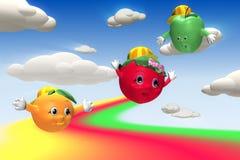 Morango, laranja e maçã voando sobre os montes Foto de Stock