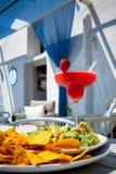 Morango Margarita Cocktails e Guacamole fotografia de stock