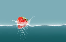 Morango na água ilustração royalty free