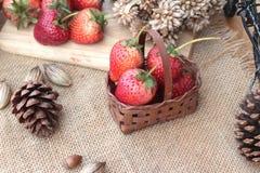 Morangos frescas vermelhas em delicioso Foto de Stock Royalty Free