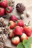 Morangos frescas vermelhas em delicioso Imagem de Stock