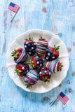 Morangos no chocolate Imagens de Stock Royalty Free