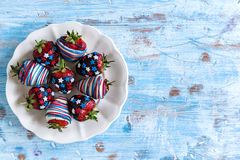 Morangos no chocolate Imagens de Stock