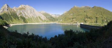 Morasco sjö i den Formazza dalen, Italien Arkivfoto