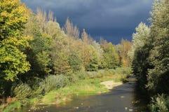 Moravka flod i tidig höst royaltyfri bild