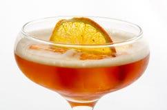 Morbidezza del cocktail ed a lungo bevande davanti a fondo bianco Fotografia Stock