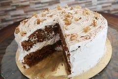 Morceau de gâteau à la carotte photographie stock
