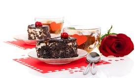 Morceau de gâteau avec une tasse de thé Photo libre de droits
