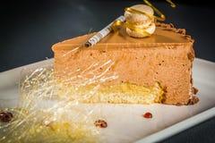 Morceau de gâteau crémeux photographie stock