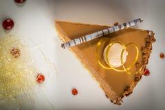 Morceau de gâteau crémeux image stock