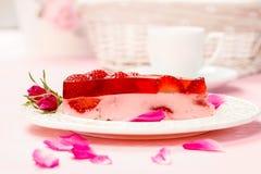 Morceau de gâteau de fraise Image libre de droits