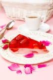 Morceau de gâteau de fraise Images libres de droits
