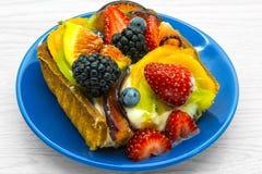 Morceau de gâteau de fruit Image libre de droits