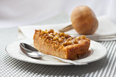 Morceau de tarte de potiron avec des noix Photo libre de droits