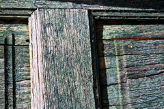 morceau vert de cairate en bois Varèse Italie de porte de brun en bois photos libres de droits