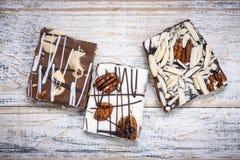 Morceaux d'écorce de caramel de chocolat Images libres de droits