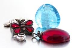 Morceaux de bijoux de mode - articles simples Image libre de droits