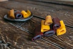 Morceaux de cuir de fruit images libres de droits