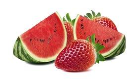 Morceaux de pastèque et grande fraise d'isolement sur le backgroun blanc Images libres de droits