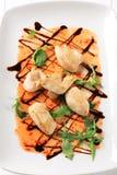 Morceaux de poulet avec de la sauce chili Photo libre de droits