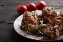Morceaux de poulet frit d'un plat Photo stock