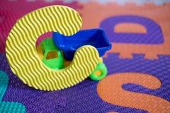 Morceaux de puzzle d'alphabet pour des enfants Images libres de droits