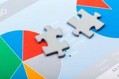 morceaux de puzzle du rendu 3d sur le fond d'affaires Images libres de droits