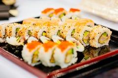 Morceaux de sushi délicieux frais Photo stock