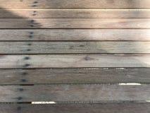 Morceaux de travail manuel de DIY de bois rectangulaires attachés comme table Photos libres de droits