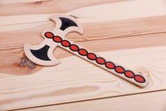 Morcellement-jouet en bois sur la table image libre de droits