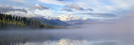 Morchua湖Mt。Edziza 库存照片
