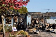 Mordbrandrevolvermanhändelse i Springfield Oregon Oktober 27 fotografering för bildbyråer