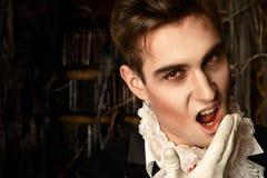 Mordeduras del vampiro imágenes de archivo libres de regalías