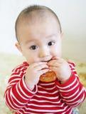 Mordida do bebê do Teething imagem de stock royalty free