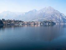 Moregallo над озером Lario Como и городом Lecco стоковое изображение