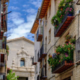 Morella est une ville murée antique située sur un sommet Image libre de droits