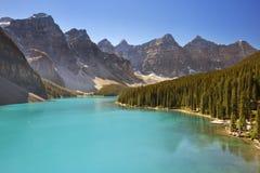 Morenemeer, het Nationale Park van Banff, Canada op een zonnige dag Royalty-vrije Stock Afbeelding
