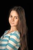 Morenita adolescente de la muchacha con el pelo largo Fotografía de archivo libre de regalías