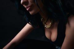 Morenita atractiva. Swag Imagenes de archivo