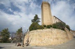 Stå hög av Moresco, den medeltida byn, Italien Royaltyfria Bilder