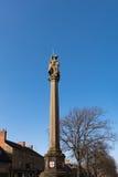 MORETON-IN-MARSH, GLOUCESTERSHIRE/UK - 24 DE MARZO: Estatua del St Fotografía de archivo libre de regalías